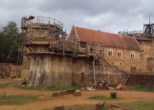 Guédelon, un château fort du XXIe siècle, Archéologie expérimentale (Treigny)