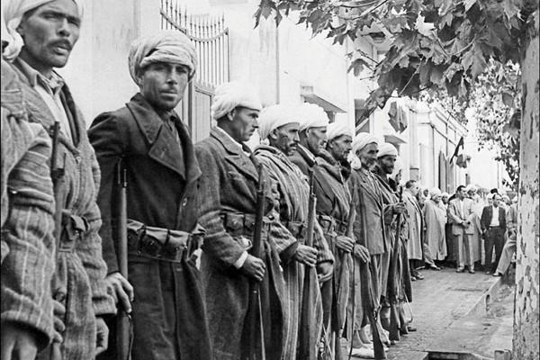 Une unité de harki en Oranie en 1956