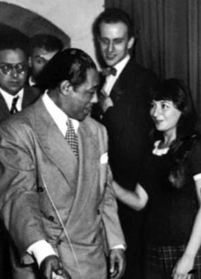 Duke Ellington, Boris Vian et Juliette Gréco au Club Saint-Germain en 1948 (DR)
