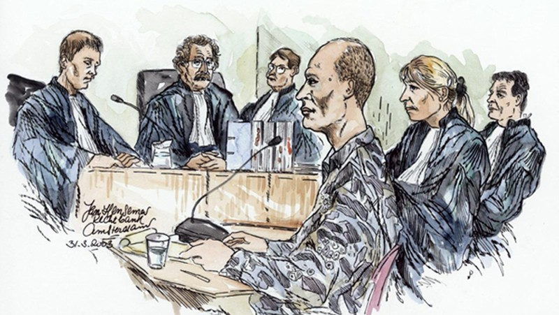 Volkert van der Graaf (au premier plan), meurtrier de Pim Fortuyn, lors de son jugement, dessin de presse, 31 mars 2003.