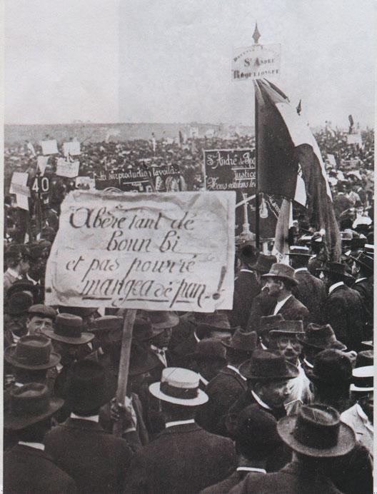 Les viticulteurs en colère, à Béziers, le 12 mai 1907
