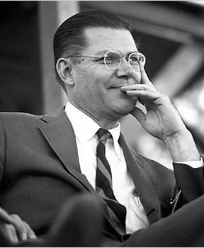 Robert S. McNamara (9 juin 1916, San Francisco ; 6 juillet 2009, Washington)