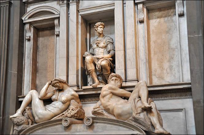 La Nuit et le Jour, tombeau de Julien de Médicis (1530, Michel-Ange, couvent de San Lorenzo, Florence)