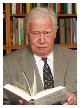 Hans Momsen, né le 5 novembre 1930 à Marbourg (DR)
