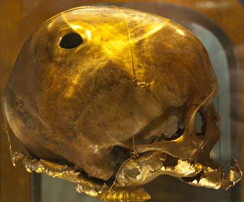 Crâne dit de saint Aubert, Église Saint-Gervais d'Avranches.