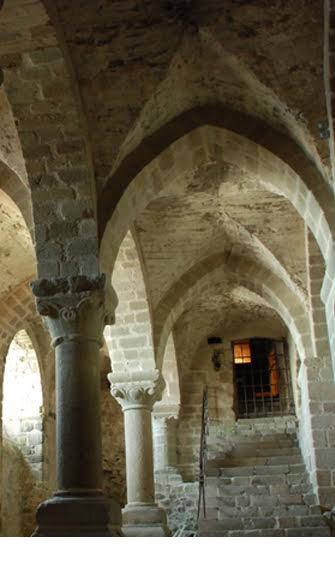 Salle de l'Aquilon, ancienne aumônerie, XIe siècle, Mont-Saint-Michel.
