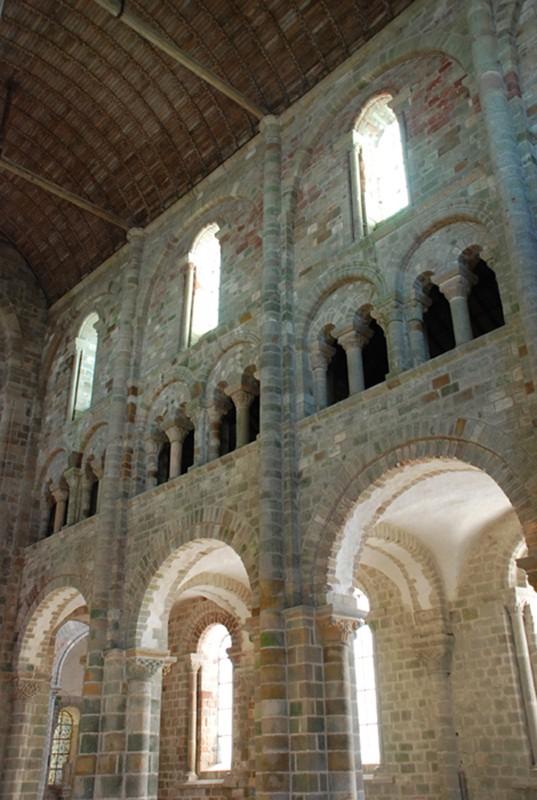 Côté sud de la nef de l'abbatiale, Mont-Saint-Michel.
