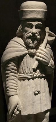 Statue de pèlerin, Scriptorial d'Avranches.