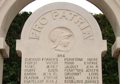 Monument aux morts d'Ampuis, département du Rhône.