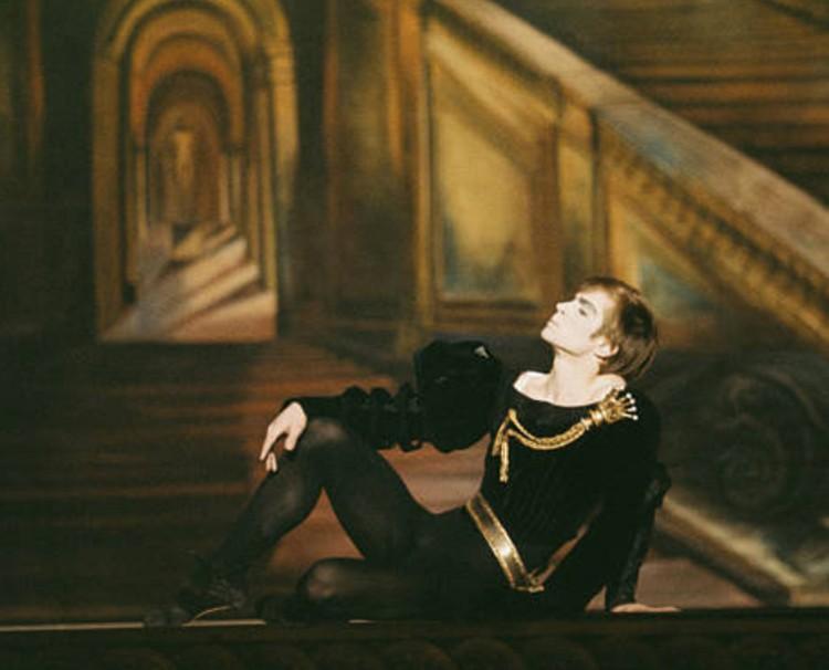 Rudolf Noureev dans « Hamlet », 1964, DR.