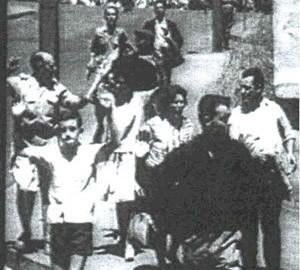 Scène de rue à Oran le 5 juillet 1962