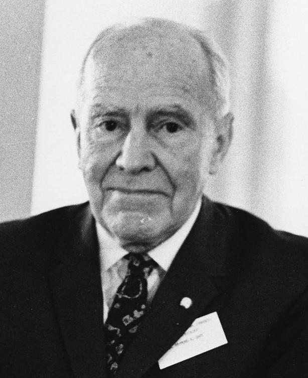 Raymond Dart  (4 février 1893 – 22 novembre 1988), anthropologue paléontologue sud-africain d'origine australienne, 1968.