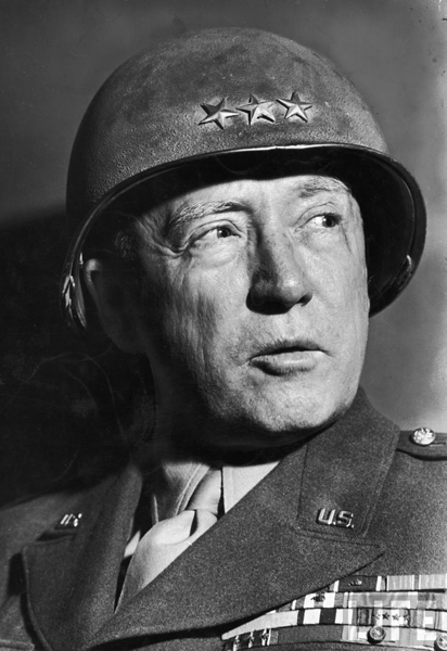 George Smith Patton (11 novembre 1885 ; Los Angeles ; 21 décembre 1945, Heidelberg, Allemagne)