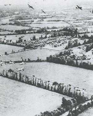 Planeurs alliés abandonnés dans le bocage normand après la nuit du 6 juin 1944