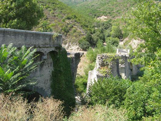 Le Ponte Novo (ou Pontenuovo) sur le Golo (Corse), photo : André Larané, Herodote.net, 2014
