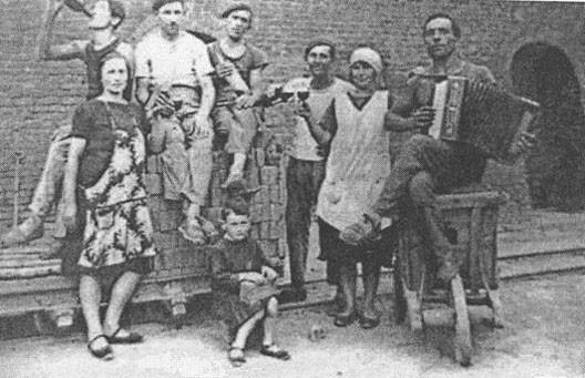 Briquetiers originaires de Vénétie, dans le sud de la France (1920)