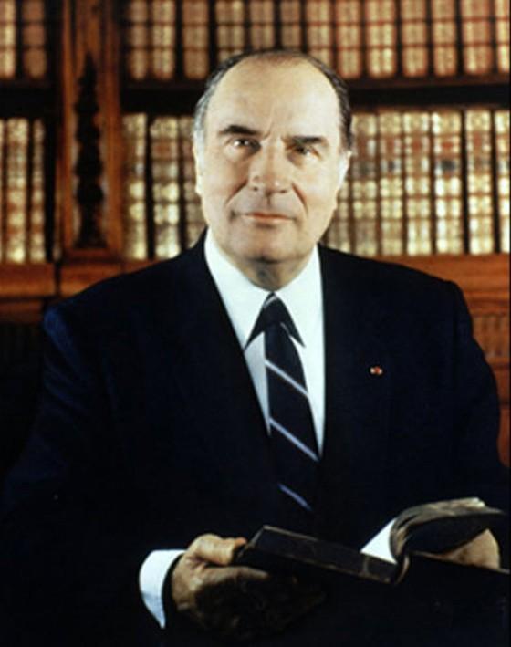 Portrait officiel de M. François Mitterrand, président de la République française, Gisèle Freund, 1974.