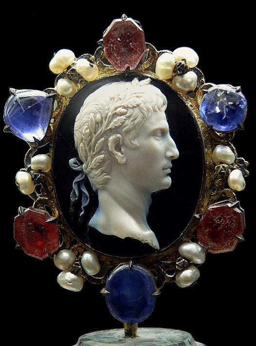Camée d'Auguste, 20 av. J.-C., cabinet des Médailles, BnF, Paris.