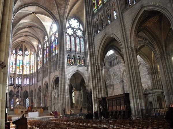 La nef de la basilique de Saint-Denis (DR)