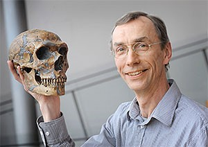 30 octobre 2015 : Svante Pääbo : <em>«Les néandertaliens ne sont pas tout à fait morts, ils vivent encore en nous!»</em>
