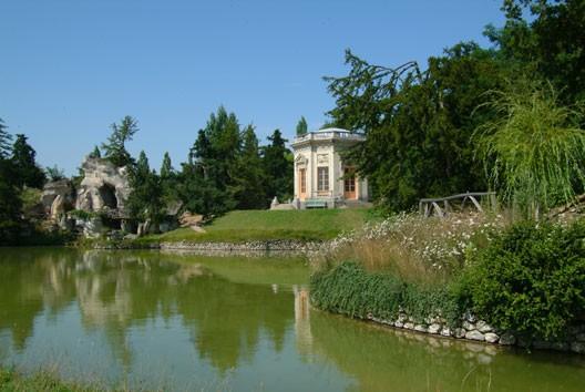 Le petit trianon et le hameau de la reine for Jardin anglais du petit trianon