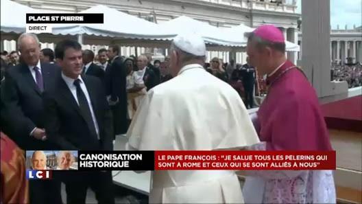 Manuel Valls devait-il se montrer à Rome?