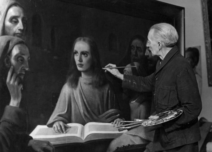 Han van Meegeren peignant « Le Christ parmi les docteurs », 1945.