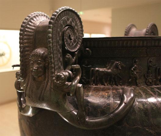 Le cratère de Vix, VIe siècle av. J.-C. (musée du pays châtillonais)