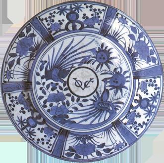 Assiette en porcelaine chinoise avec le signe de la VOC (XVIIIe siècle)