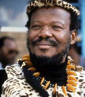 Mangosuthu Buthelezi (27 août 1928, Mahlabathini, Natal, Afrique du Sud)